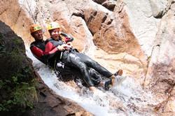 Toboggan double par Natura Canyon spécialiste canyoning à Bavella en Corse