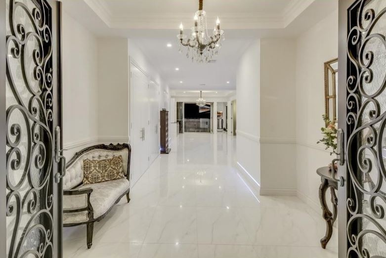 European Glamour Entry Home Luxury Adrian Ramsay Design House