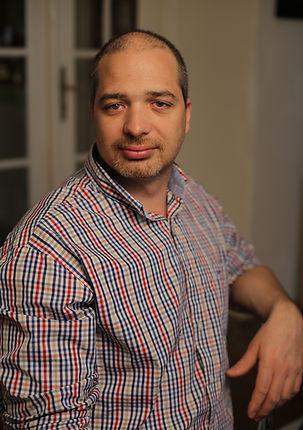 Velez Csaba pszichológus