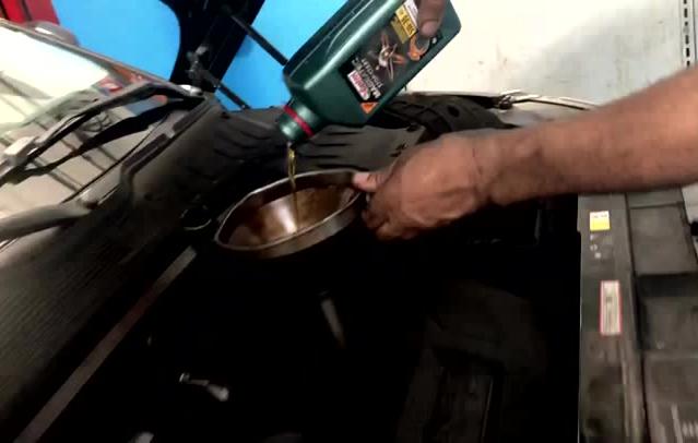 Quando fazer a troca de óleo do carro?