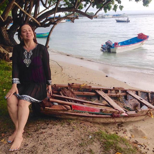"""Instagram - """"Era en una playa de mi tierra tan querida, a la orilla del mar...jp"""