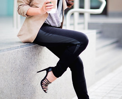 how-to-wear-black-leather-tights-lysse-style-by-alina-fashion-blog-1_edited.jpg
