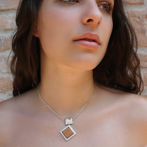 Quadratum Necklace White