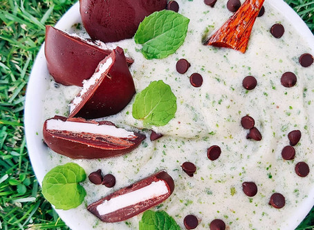 Peppermint Chocolate Kale Smoothie Bowl- Refreshing & Decadent