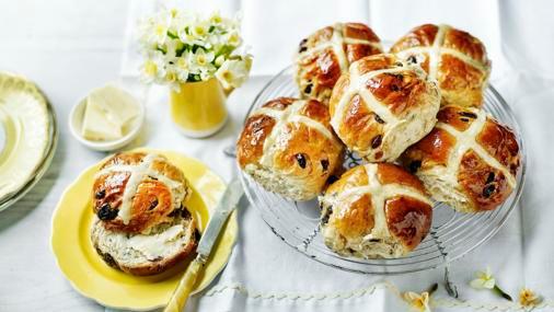Hot Cross Buns - Image: BBC Food