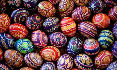 Easter Eggs with colourful decoration - Image: Internet