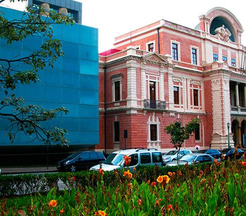 Localizado no bairro mais buscado em BH, a charmosa Savass. A apenas 2 quarteirões da Praça da Liberdade. Br Hostel Belo Horizonte