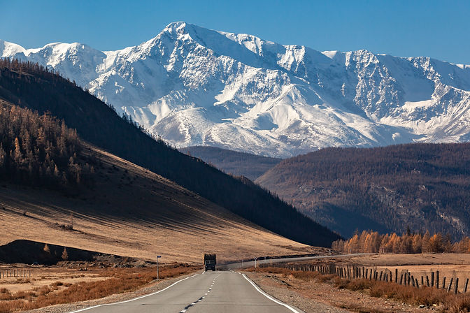 autumn-altai-mountain-range-truck-road.j