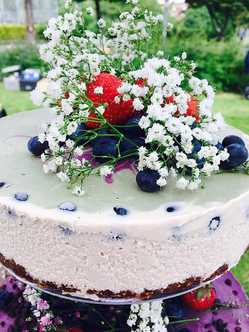 RAW WEDDING CHEESECAKE - 4 tier cake stand 95 pers.