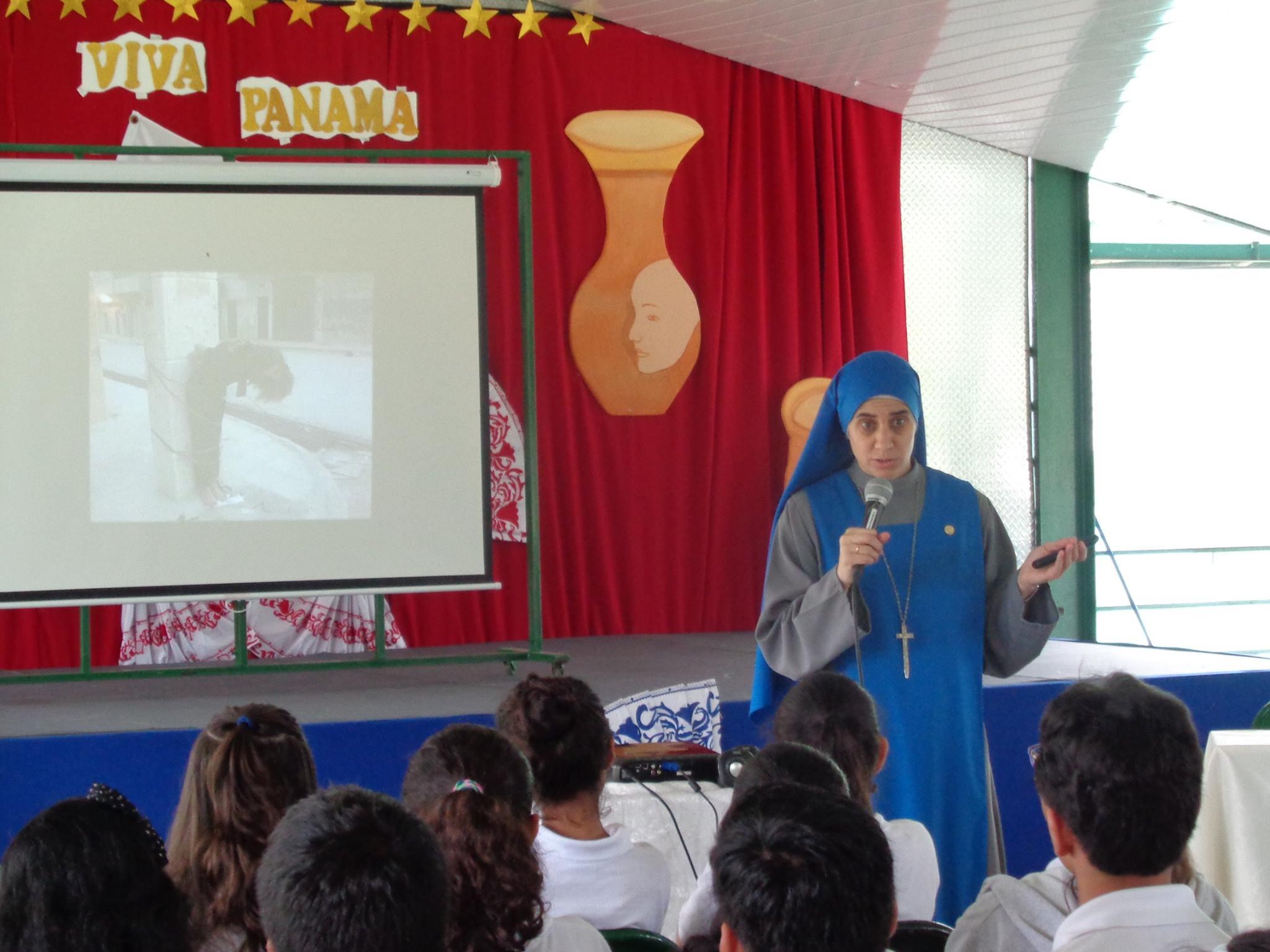 Visita_al_Colegio_María_Auxiliadora_-_Arraiján_4
