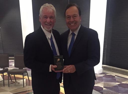 Commodore Dan Stoltz receives Scouting's Spurgeon Award