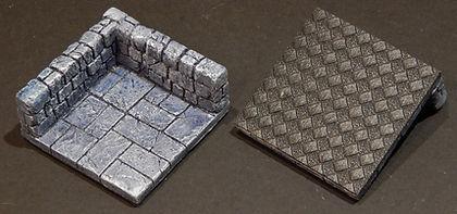 Modular tile with antislide base