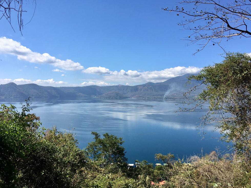 Le lac de Coetepeque