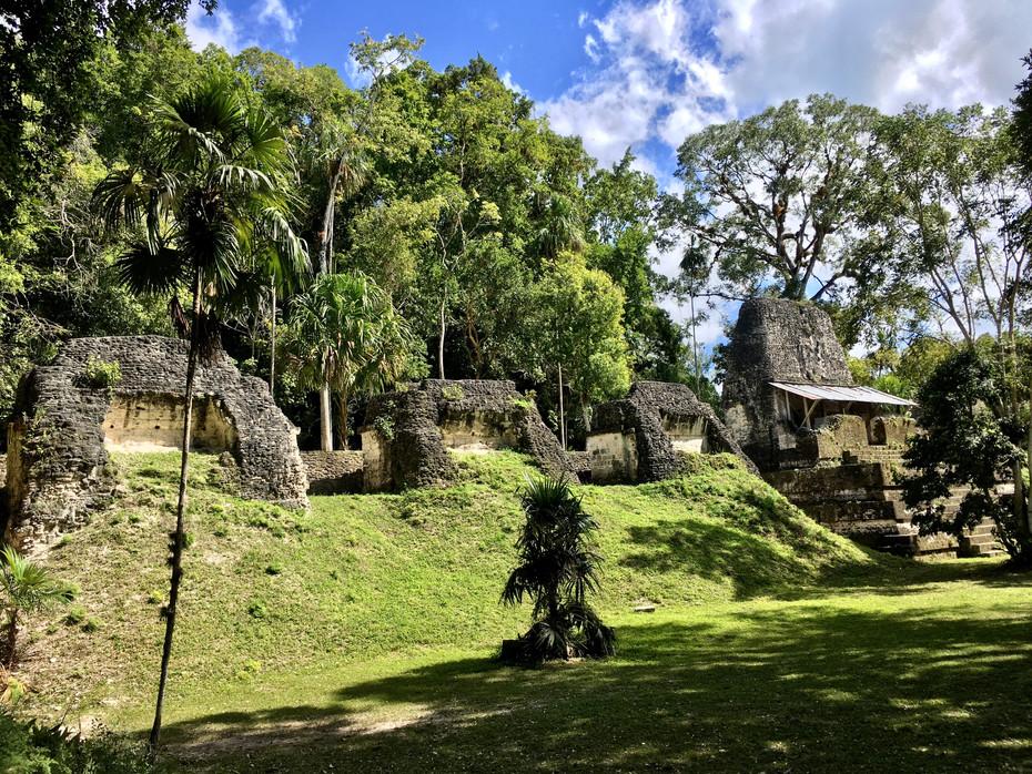 La Plaza de los Siete Templos
