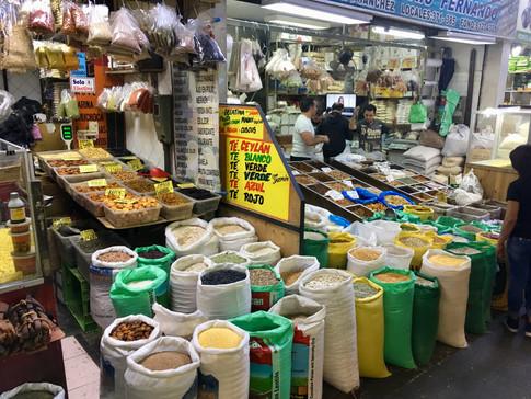 Les marchés de la vega central à Santiago : on y trouve de tout en abondance!