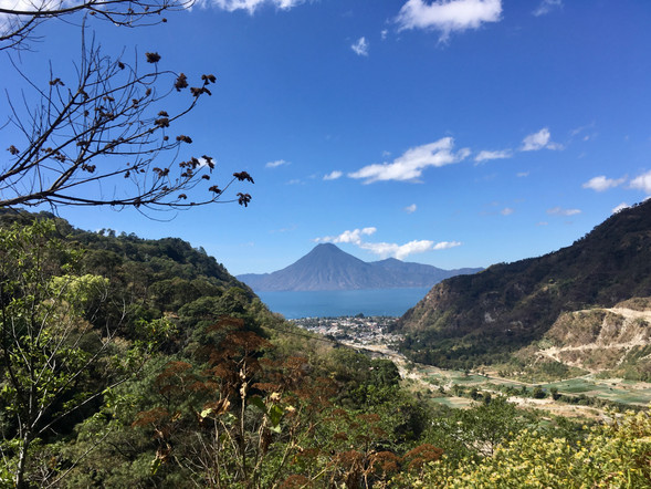 Sur les hauteurs, vue sur le lac Atitlan