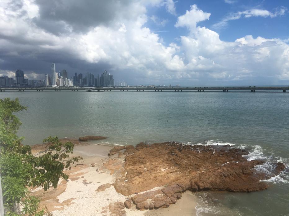 La cinta costera à Panama city
