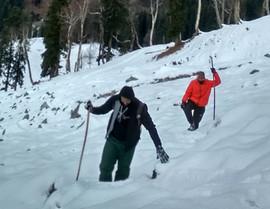 hampta snow trek