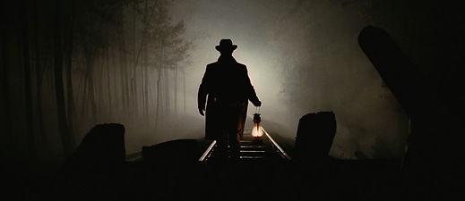 Film-Lighting-Techniques-3-Point-Lighting-Jesse-James_edited.jpg