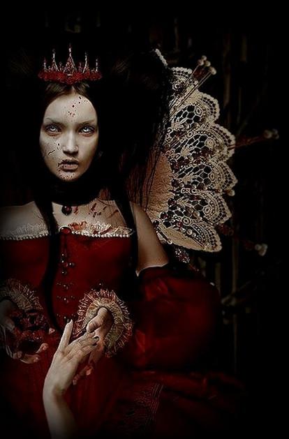 Wardrobe, Dark Fall