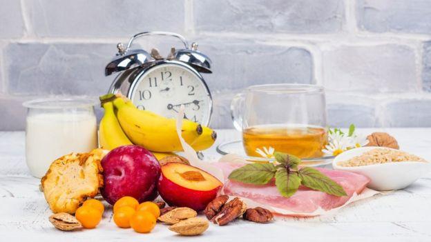 GETTY IMAGES Image caption La idea de que nuestra respuesta a la comida varía en diferentes momentos del día no es totalmente nueva.
