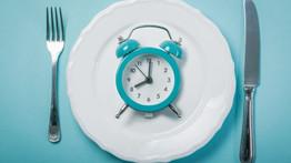 Las sorprendentes maneras en que las horas a las que comes afectan a tu peso y tu salud