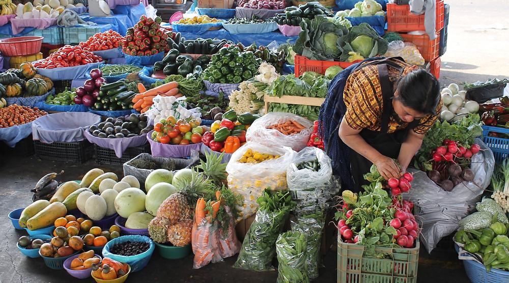 Una vendedora de hortalizas en Guatemala ISABELLE SCHAEFER/BANCO MUNDIAL
