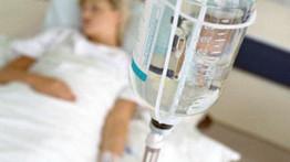 ¿Cuántas calorías aporta el suero a un paciente hospitalizado?