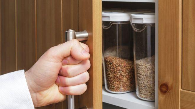 GETTY IMAGES Image caption ¿Tienes en tu repostero algo que pueda alargar tu vida?