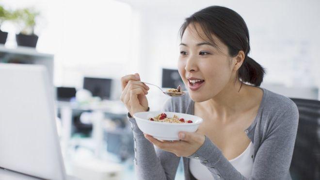 Los cereales para desayuno con aspecto nutritivo entran en la categoría alimentaria de los ultraprocesados, considerada peligrosa. GETTY IMAGES