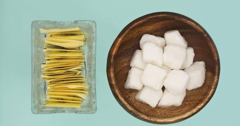 Sustituir el azúcar por edulcorantes no parece servir de gran cosa.