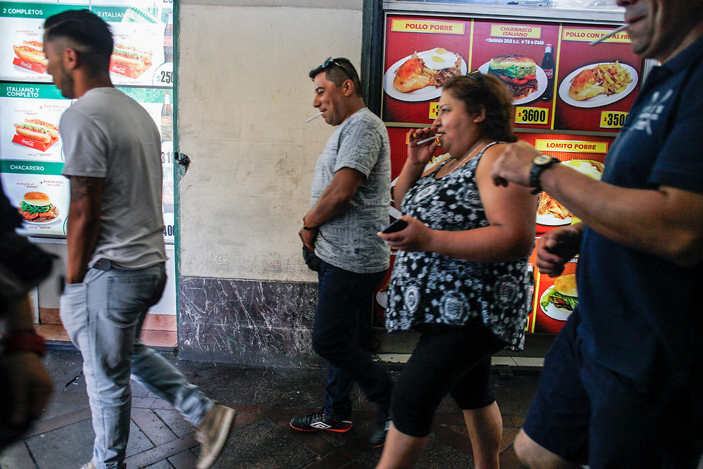 Los costos médicos de la obesidad suman el 2,4 por ciento de todos los gastos en cuidado de salud en Chile. Para 2030, la cifra podría aumentar al cuatro por ciento. Credit Víctor Ruiz Caballero para The New York Times