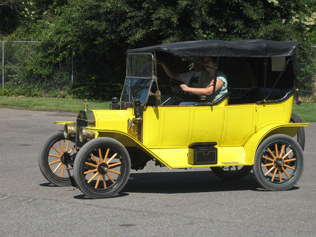 Leah Driving Model T 028.jpg