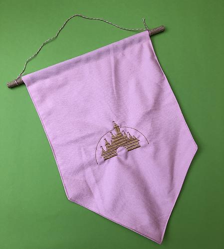 Line Castle - Pin Display Flag