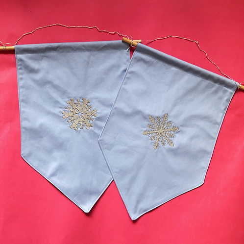 Snowflake - Pin Display Flag