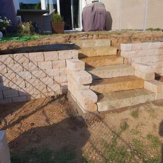 Treppe und Terrasse 3.jpg