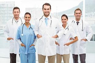 Médicos_Jovens_grande.jpg