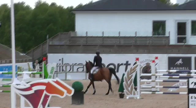 Instrumental clear in her first 1.30m