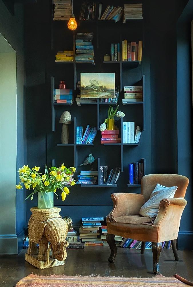 dark decor reading nook library bespoke shelves english modern country house style