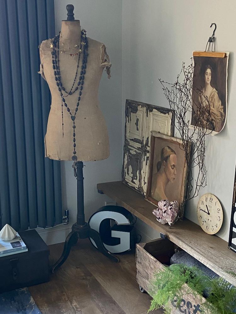 vintage taolirs dummy letter g light brooklyn tile vintage artwork