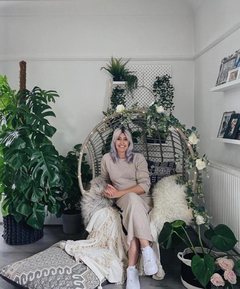 plants wicker egg chair cushions throws