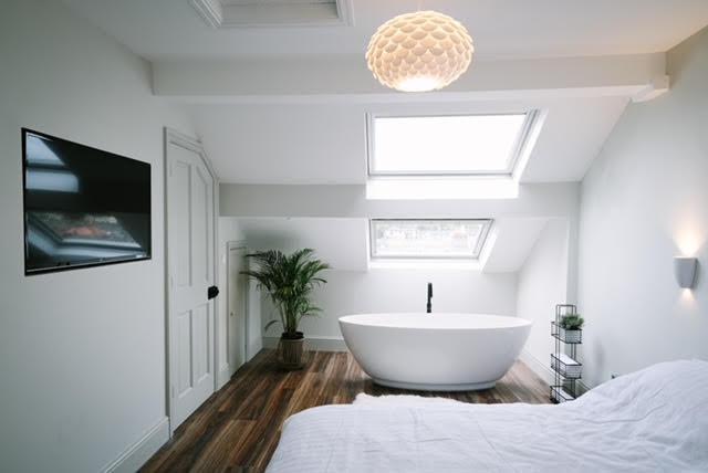 free standing bath in bedroom