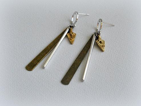 סשה | עגילי מוטות תלויים כסף זהב ופליז