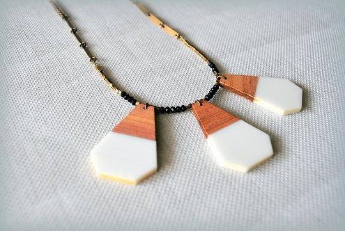 אליסון | מעוייני עץ לבנים