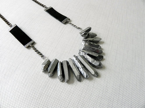 PAULING | Silver Quart Stone Necklace