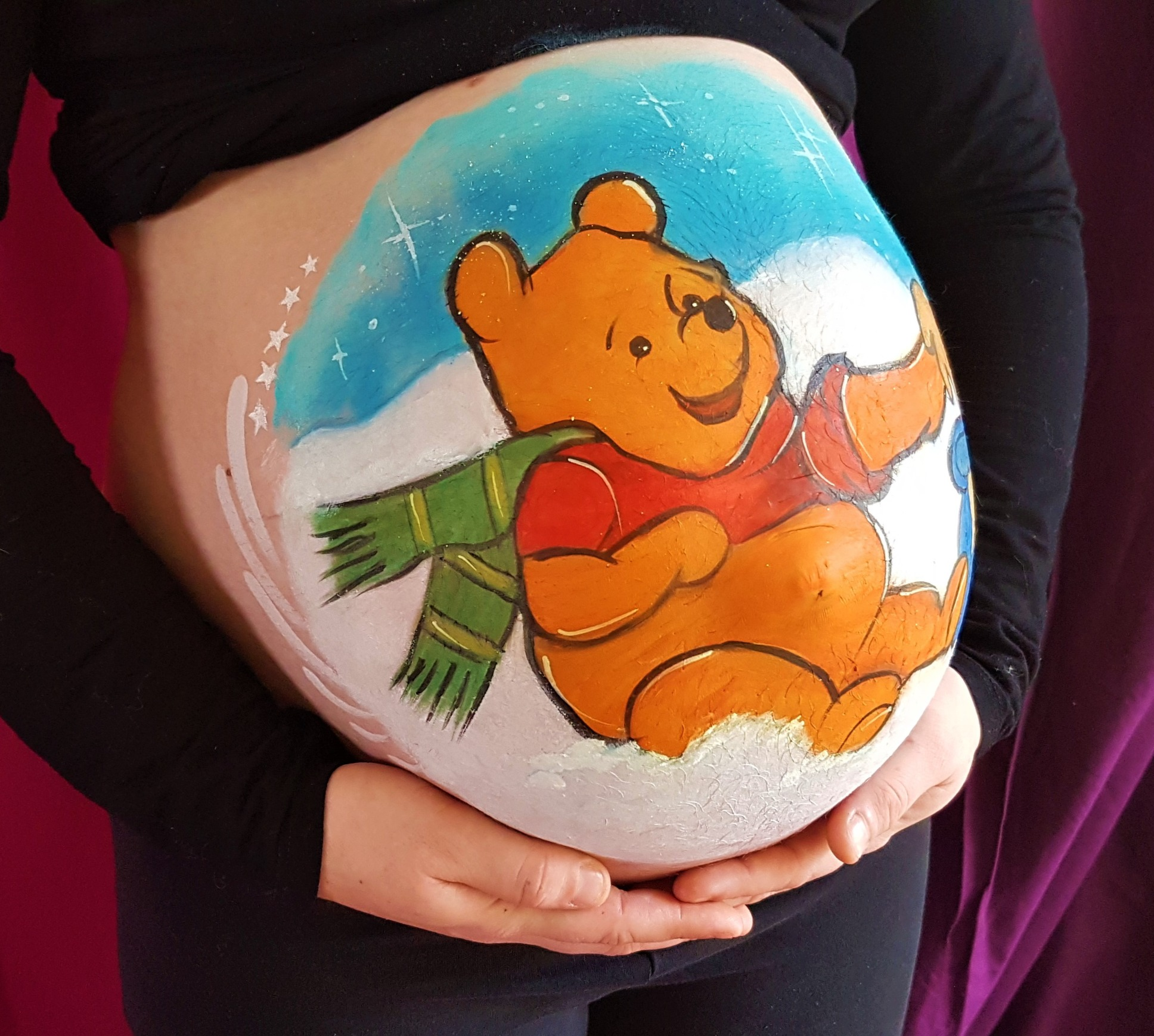 Belly painting Winnie l'ourson en hiver