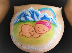 Belly painting Bébé à la montagne