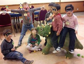 gouter anniversaire dinosaure 6 ans.JPG