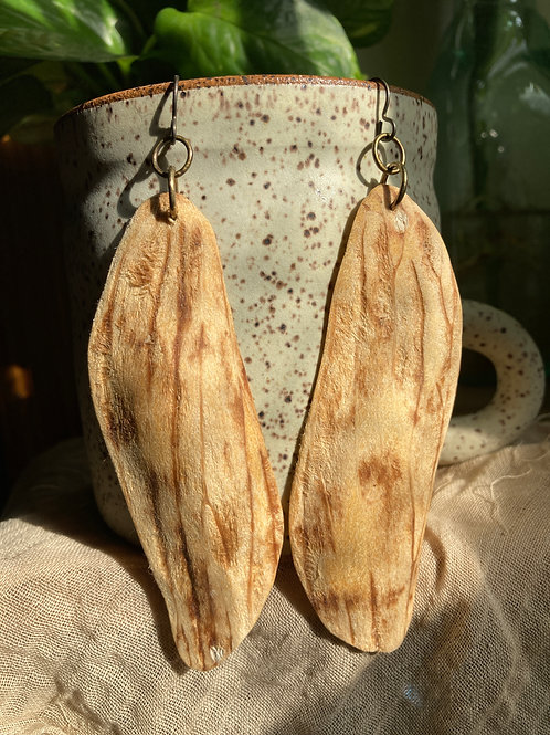 mango pit earrings 02