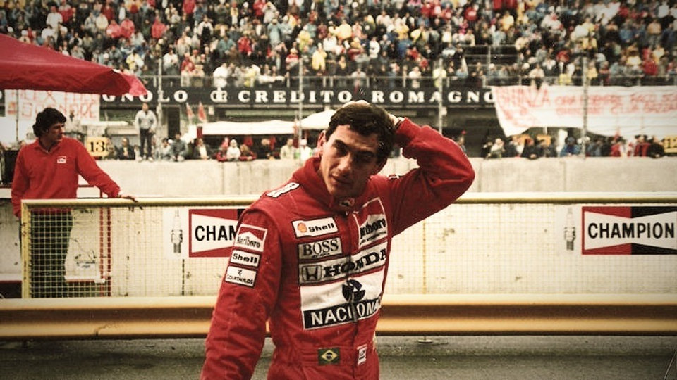 800px-Ayrton_Senna_Imola_1989_edited_edi